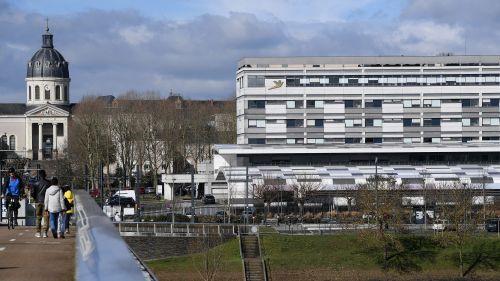 Angers : le patient ne peut être pris en charge par les urgences du CHU, il meurt à son arrivée à la clinique où il avait été conduit pour être soigné
