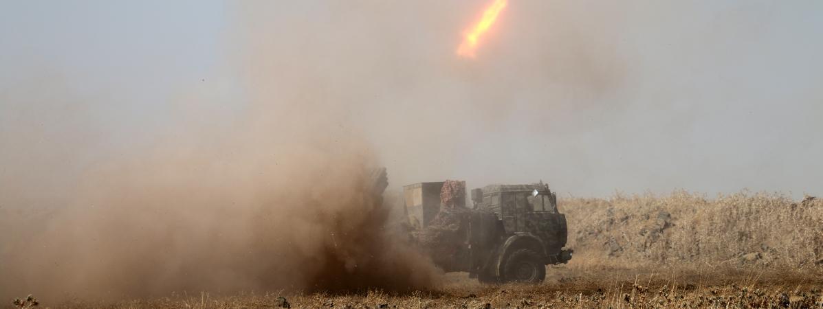Syrie : des tirs de roquette jihadistes font 12 morts dans un village du nord-ouest