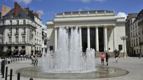 Nantes : intervention du Raid à l'opéra Graslin après une menace d'attentat, les spectateurs fouillés