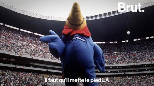 """VIDEO. Qui se cache derrière le masque de """"Footix"""", la mascotte du Mondial 1998 ?"""
