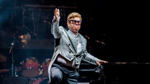 """""""C'est une bombe, il est extraordinaire"""": la tournée d'adieux d'Elton John est de passage en France"""