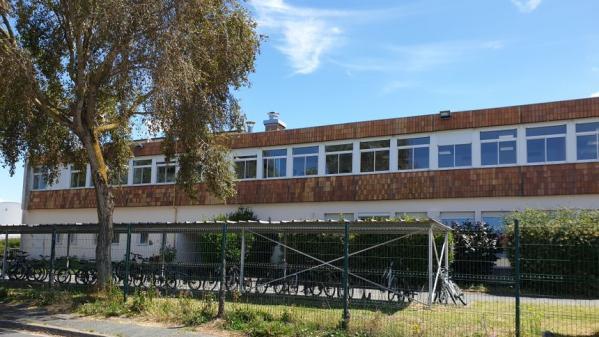 La Rochelle : le principal adjoint d'un collège mis en examen, accusé de prendre des photos sous les jupes des filles