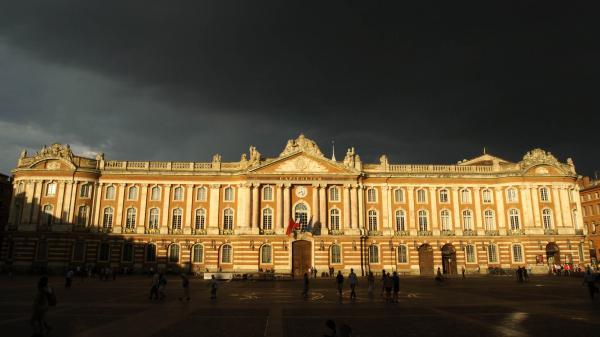 VIDEOS. Un violent orage de grêle frappe Toulouse, des rafales de vents mesurées à plus de 130 km/h