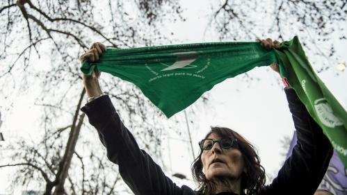 Mondial 2019 : les tee-shirts et foulards verts, symbole de la lutte pour le droit à l'avortement en Argentine, interdits lors du match Argentine-Ecosse