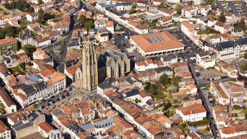 """DIRECT. """"Il fait clairement partie des plus importants enregistrés dans la région"""" : un séisme de magnitude 4,9 a été ressenti dans l'ouest de la France"""