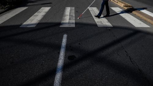 """Procès d'un automobiliste qui a agressé un piéton aveugle : """"On veut que les incivilités soient reconnues et punies"""""""