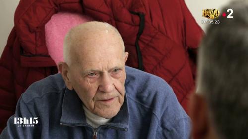 """VIDEO. """"C'est un désert médical"""" : voilà pourquoi le plus vieux médecin de France en activité exerce toujours à près de 98 ans"""