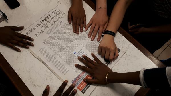 """""""Nous aussi on passe le bac"""" : dans une tribune, des lycéens de Seine-Saint-Denis dénoncent les conditions dans lesquelles ils étudient"""