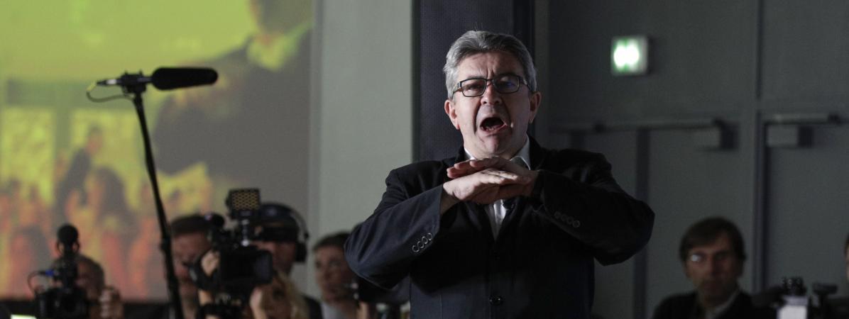"""""""C'est un tribun qui vous enthousiasme"""" : les militants de La France insoumise convaincus par le discours de Jean-Luc Mélenchon"""