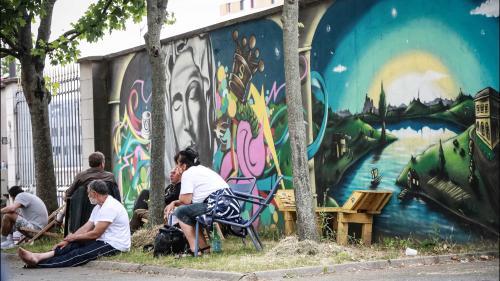"""""""Les pics de chaleur sont des moments dangereux"""" pour les sans-abri, rappelle le président du Samu social de Paris"""
