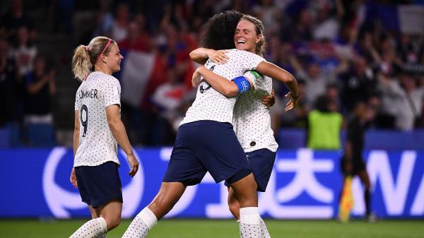Coupe du monde : avec 12 millions de téléspectateurs devant France-Brésil, les Bleues enregistrent la meilleure audience de l'année