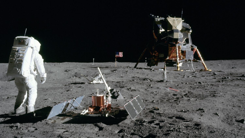 Apollo 11 Buzz Aldrin descend du module lunaire Photo Nasa