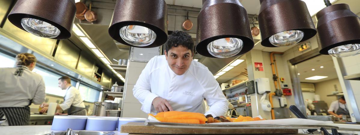 Mauro Colagreco, le chef italo-argentin du Mirazur situé à meton (Alpes-Maritimes), élu meilleur restaurant du monde, photographié ici le 13 avril 2019.
