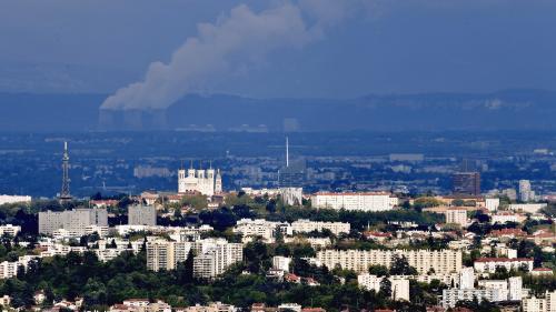 DIRECT. Canicule : Lyon, Grenoble et plusieurs départements du sud-est en alerte à la pollution