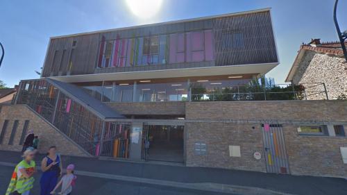 DIRECT. Canicule : des crèches et écoles seront fermées jeudi et vendredi dans le Val-de-Marne