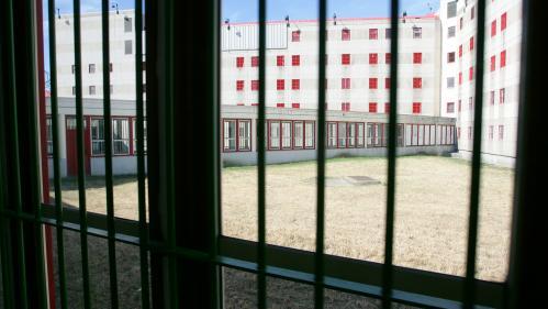 """Canicule : à la prison de Villepinte, """"il fait une chaleur effroyable"""""""