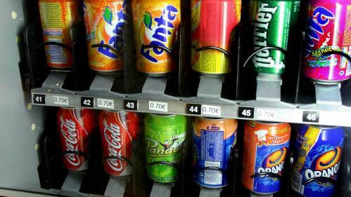 """Canicule : un risque de """"pénurie"""" de boissons fraîches vendues dans les distributeurs automatiques"""