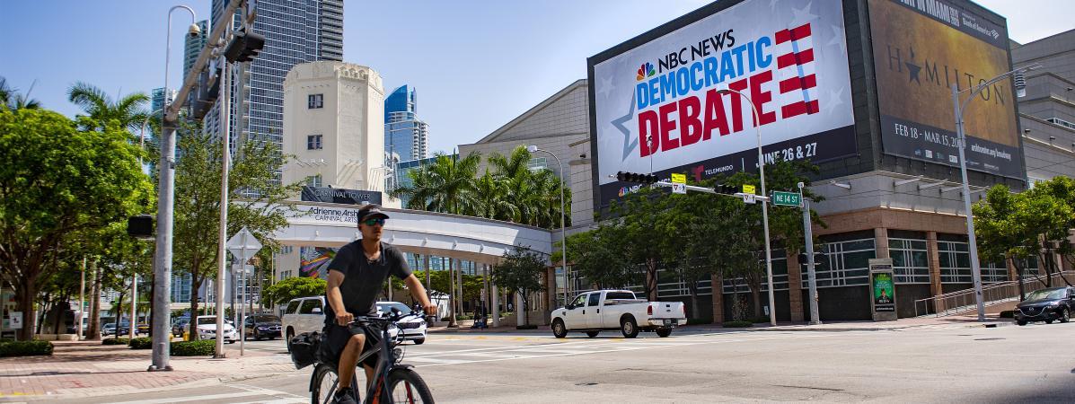 """""""C'est plus gros que le Super Bowl"""" : les candidats à l'investiture démocrate pour la présidentielle convergent à Miami pour un premier débat"""