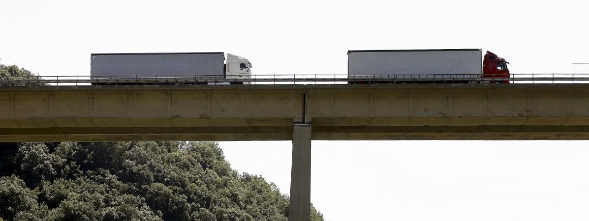 """Des sénateurs réclament un """"plan Marshall"""" pour rénover les ponts"""