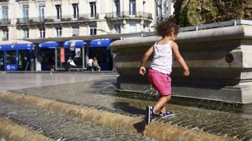 Canicule : l'Hérault, le Gard, le Vaucluse et les Bouches-du-Rhône sont placés en vigilance rouge, une première en France