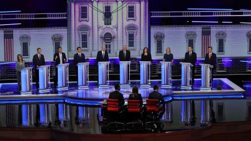 Etats-Unis : Joe Biden chahuté, Donald Trump taclé… Ce qu'il faut retenir du deuxième débat des primaires démocrates