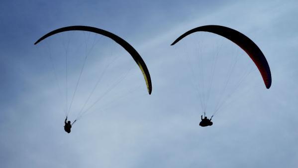 Haute-Savoie: deux parapentistes meurent après des accidents de vol