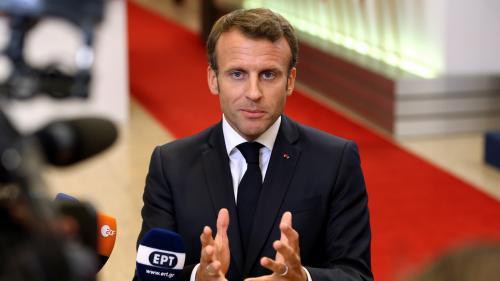 """VIDEO. Emmanuel Macron dénonce des """"divisions et parfois des ambitions personnelles"""" après la suspension du sommet de l'UE"""