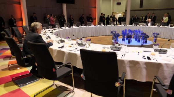 Union européenne: dans l'impasse, le sommet sur les postes clés est suspendu jusqu'à mardi