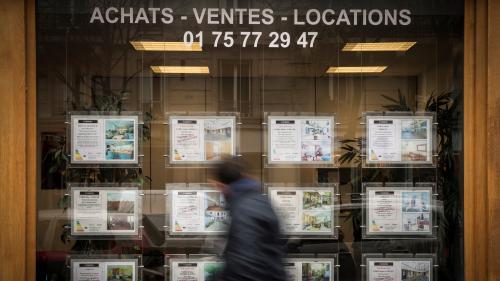 """Encadrement des loyers: """"Quand on voit leur niveau à Paris, on se dit qu'il y a besoin de remettre un peu de rationalité dans tout ça"""", estime Ian Brossat"""