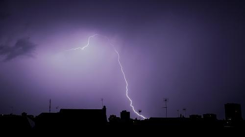 Météo: cinq départements en vigilance orange pour des risques d'orages