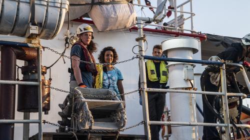 """""""Nous ne contrôlons plus les déplacements du navire"""" : l'incertitude pour l'équipage du """"Sea-Watch"""", toujours en mer"""