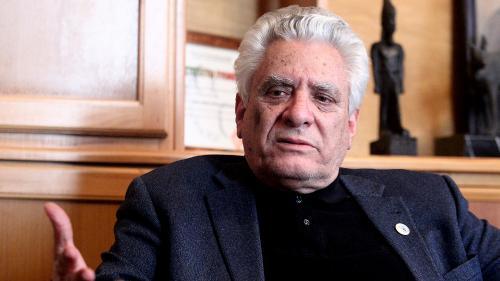"""""""Il n'est plus possible d'arrêter le cours de l'histoire"""" : rencontre avec Mustapha Bouchachi, figure de la contestation en Algérie"""