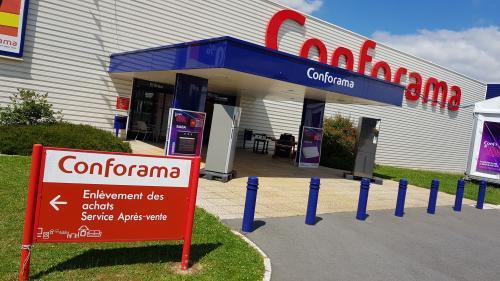 """Conforama a touché """"63 millions d'euros de crédit d'impôt"""", dénonce Force ouvrière"""