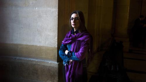 """Suicide d'une collégienne harcelée : """"Pour moi, c'est un aveu d'échec"""", réagit la mère d'une adolescente qui s'est suicidée en 2013"""