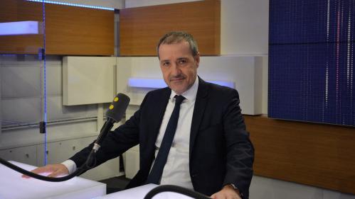 GRAND ANGLE - Langue, prisonniers, autonomie... En Corse, Édouard Philippe doit résoudre des dossiers brûlantspic.twitter.com/vEabXA80ZY
