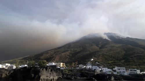 """Éruption du Stromboli: """"Le risque zéro n'existe pas"""", explique un volcanologue"""