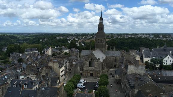 Du haut de la tour de l\'Horloge, à Dinan.