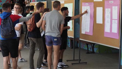 Baccalauréat : les élèves passent les oraux dans l'incertitude