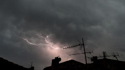 Orages : vingt départements de l'est de la France placés en vigilance orange