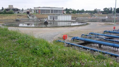 Yvelines : l'incendie d'une station d'épuration provoque un début de pollution de la Seine et la mort de dizaines de poissons