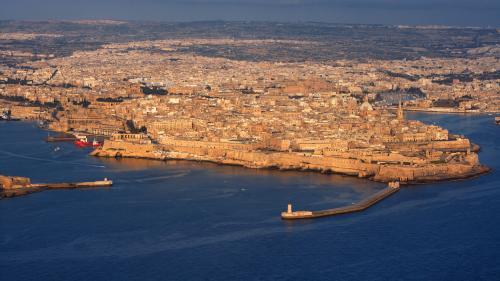 Malte accepte de transférer les 65 migrants d'un bateau humanitaire