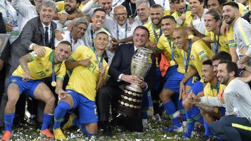 Foot : le Brésilien Marquinhos a-t-il snobé le président Jair Bolsonaro lors de la Copa America?