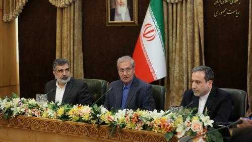 """Nucléaire iranien : """"On essaie de convaincre les Iraniens de tenir le coup en attendant que la tempête Trump passe"""""""