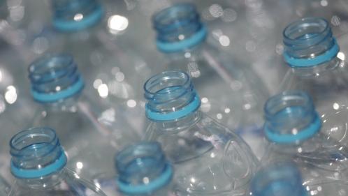 Recyclage : le retour de la consigne pour les bouteilles en plastique est-il une idée en carton?
