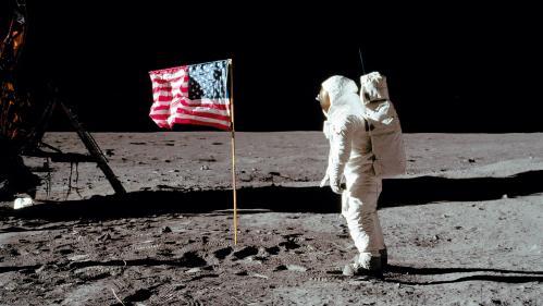 """VIDEO. """"On buvait les paroles de la télé"""": vous nous avez raconté la nuit où l'homme a marché sur la Lune"""