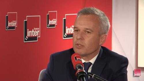 """VIDEO. Épinglé pour des dîners à l'Assemblée, François de Rugy """"assume"""" et évoque la nécessité de sortir de sa """"bulle politique"""""""