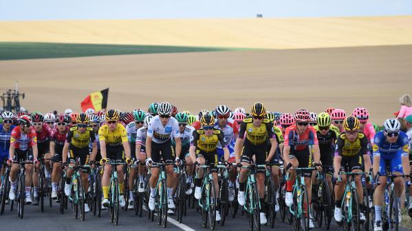 DIRECT. Tour de France : Julian Alaphilippe peut-il reprendre le maillot jaune ? Regardez et commentez la 8e étape entre Mâcon et Saint-Etienne