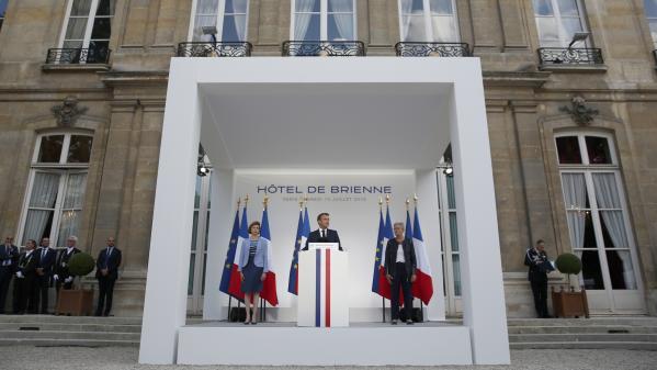 Emmanuel Macron annonce la création d'un commandement militaire dédié à l'espace