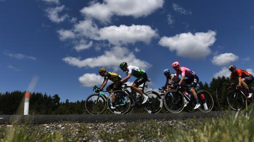 DIRECT. Tour de France : l'échappée ira au bout. Regardez et commentez la 9e étape entre Saint-Etienne et Brioude
