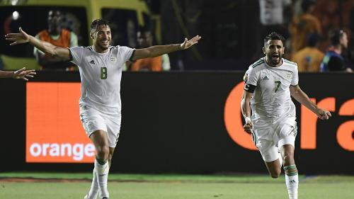 Foot : L'Algérie domine le Nigéria 2-1 grâce à un but à la dernière minute et se qualifie pour la finale de la CAN